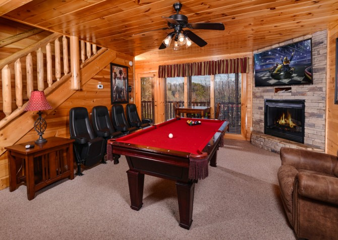 Pigeon Forge Cabin- It's A Wonderful Life – Gameroom