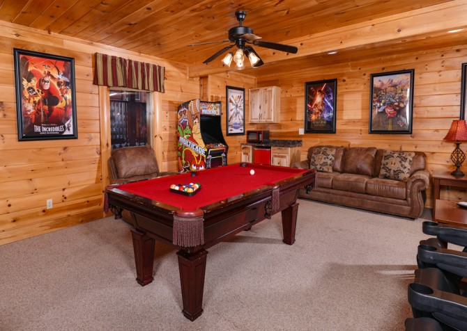 Pigeon Forge Cabin- It's A Wonderful Life – Gameroom Seating