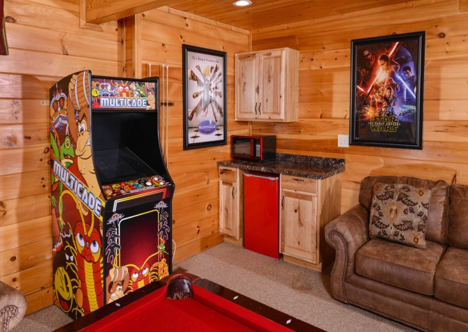 Pigeon Forge Cabin- It's A Wonderful Life – Gameroom Arcade Game