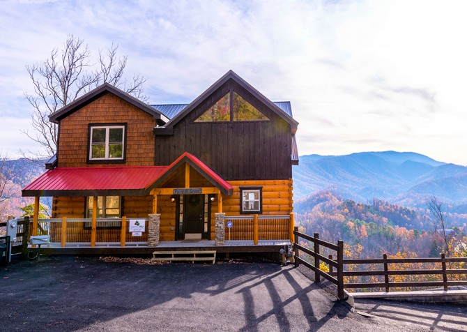 Pigeon Forge Cabin- Point of Grace – Exterior Front