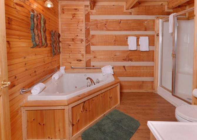 Pigeon Forge - A Sweet Retreat - Bathroom