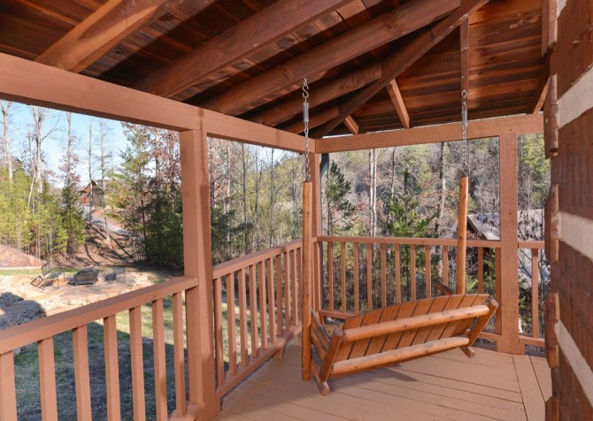 Pigeon Forge - A Sweet Retreat - Deck Swing