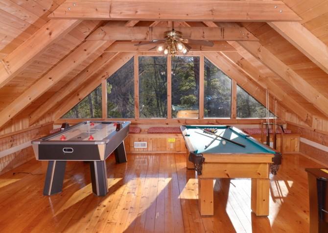 Pigeon Forge - A Sweet Retreat - Gameroom Loft