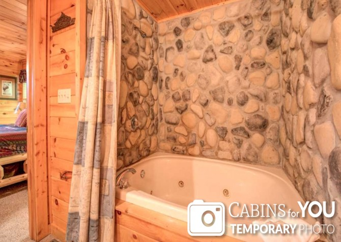 Pigeon Forge - Absolutely Perfect - Bathroom Temp