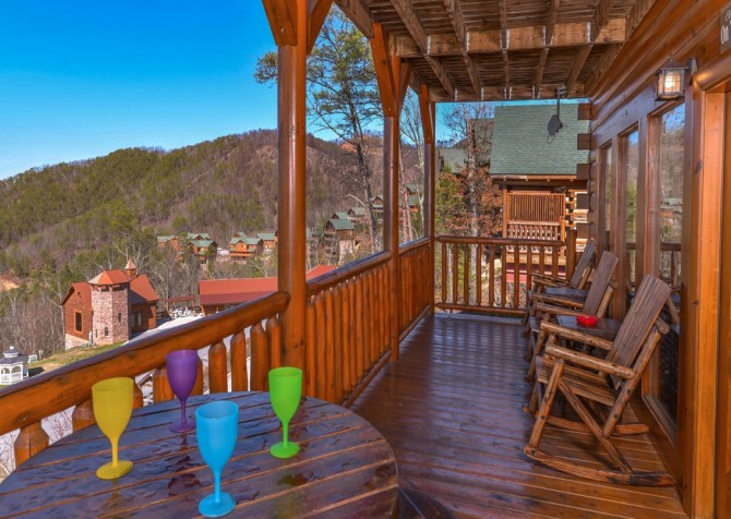 Pigeon Forge Cabin- It's All Good – Deck Seating