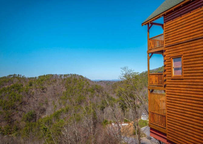 Pigeon Forge Cabin- It's All Good – Exterior