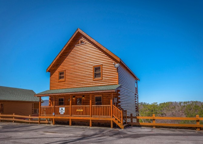 Pigeon Forge Cabin- It's All Good –
