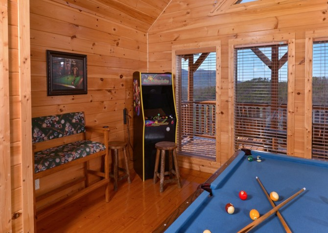 Pigeon Forge Cabin- It's All Good – Arcade GAme