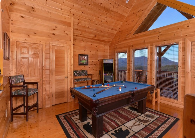 Pigeon Forge Cabin- It's All Good – Pool Table