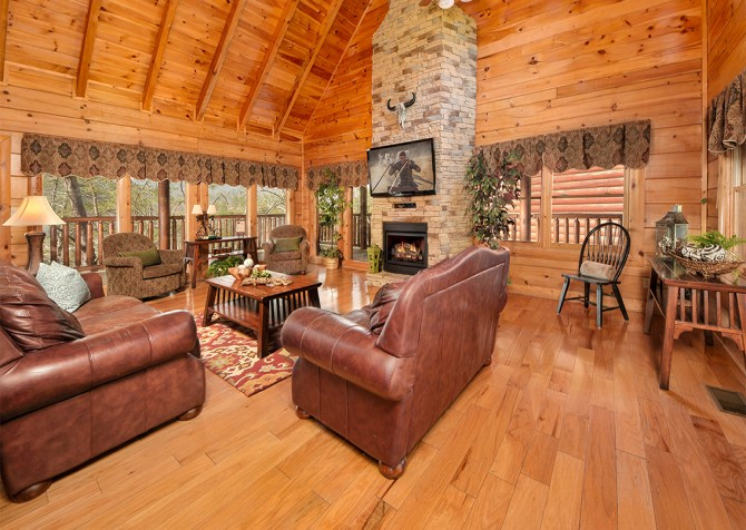 Pigeon Forge - Almost Heaven - Living Room