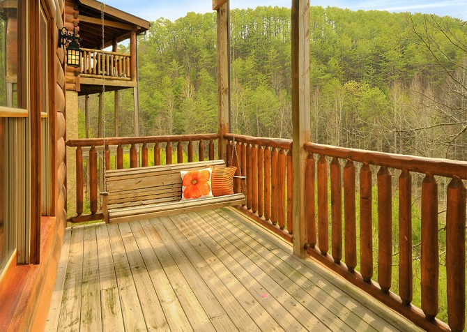 Pigeon Forge - Almost Heaven - Porch Swing