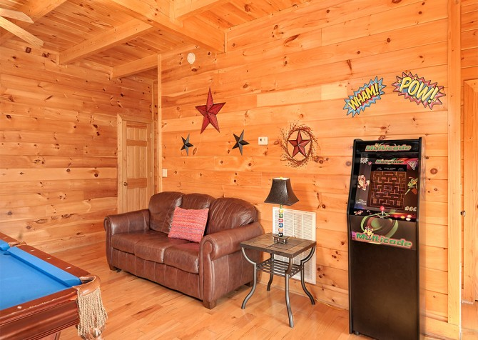 Pigeon Forge - Almost Heaven - Rec Room