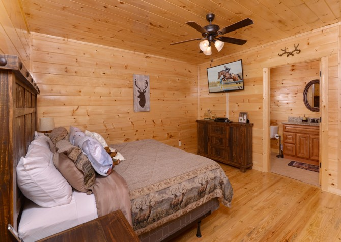pigeon-forge-angel-heaven-bedroom-19