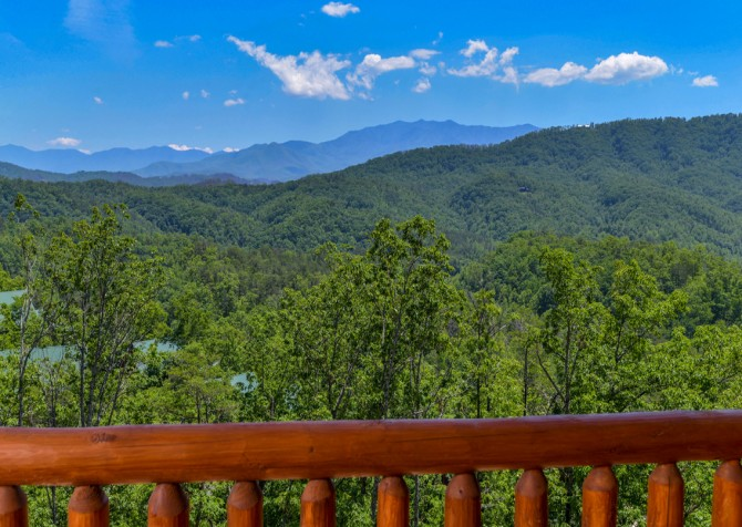 pigeon-forge-angel-heaven-exterior-26