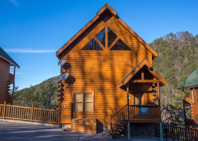 Pigeon Forge Cabin- Be Our Guest – Front Exterior