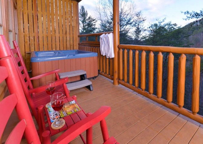 Pigeon Forge Cabin- Be Our Guest – Rocking Chairs - Outdoor Hot Tub