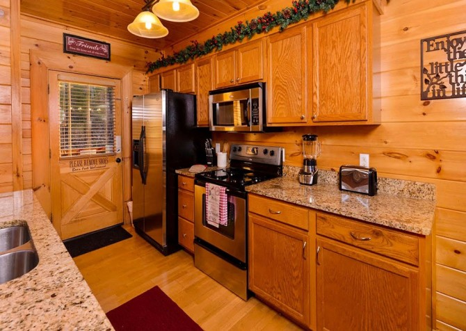 Pigeon Forge Cabin- Be Our Guest – Kitchen