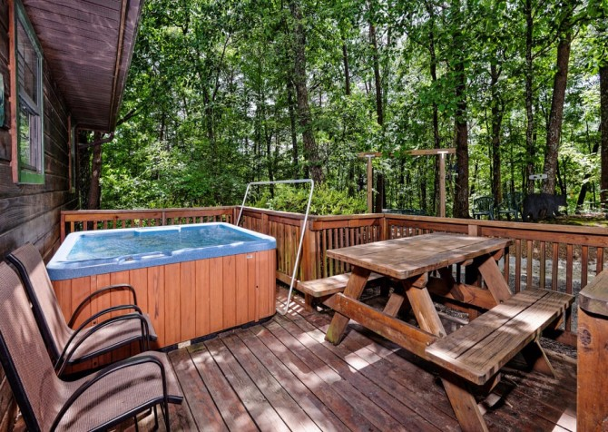 Pigeon Forge Cabin - Bear End - Hot Tub