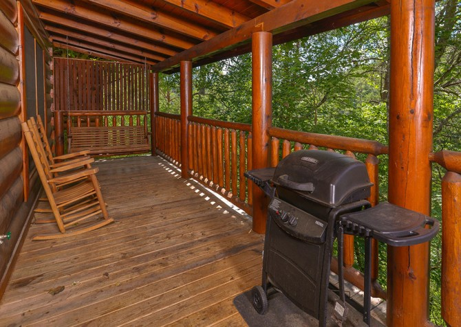 Pigeon Forge Cabin - Bear Maximum - Grill