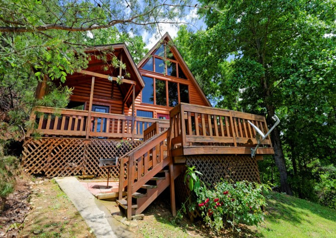 Pigeon Forge Cabin - Bear-rific View - Exterior