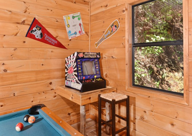 Pigeon Forge Cabin - Bear-rific View - Games