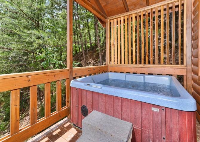 Pigeon Forge Cabin - Bear-rific View - Hot Tub