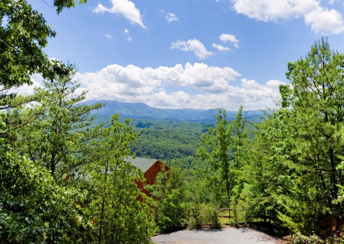 Pigeon Forge Cabin - Bear-rific View - View