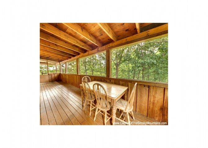 Pigeon Forge - Bear View - Deck Dining Temp