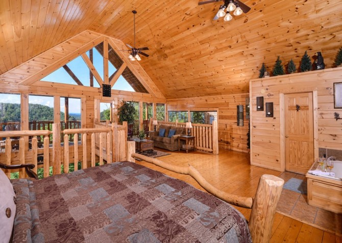 Pigeon Forge Cabin - Bearway To Heaven -Loft Bedroom with a View