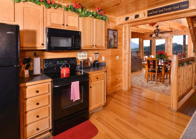 Pigeon Forge Cabin - Bearway To Heaven - Kitchen