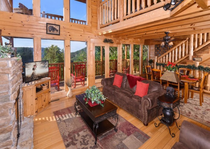 Pigeon Forge Cabin - Bearway To Heaven - Living Room