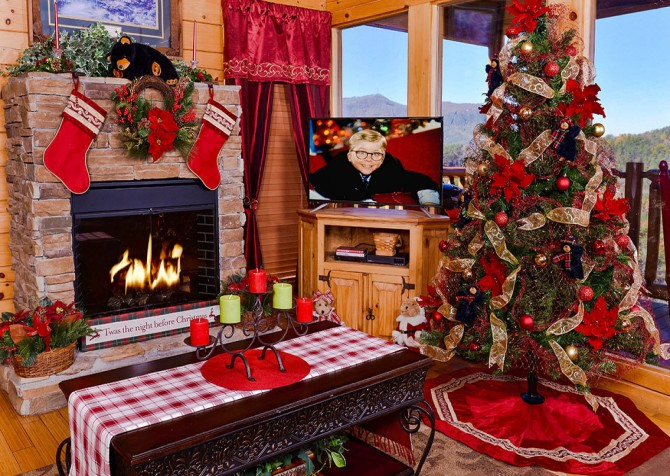 Pigeon Forge Cabin - Bearway To Heaven - Living Room Christmas