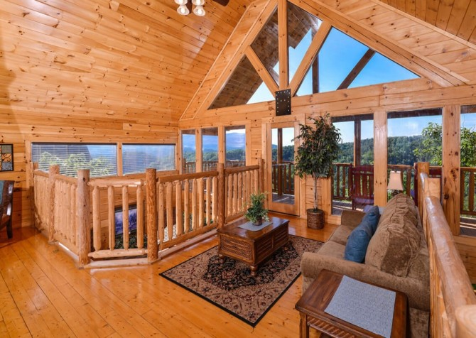 Pigeon Forge Cabin - Bearway To Heaven - Loft with a View