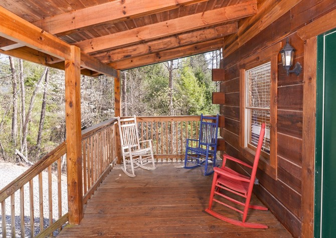 Pigeon Forge Cabin - Bear In Love - Deck Rocking Chairs