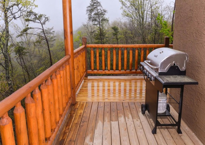 Pigeon Forge Cabin - Beaver's Mountaintop Retreat - Grill