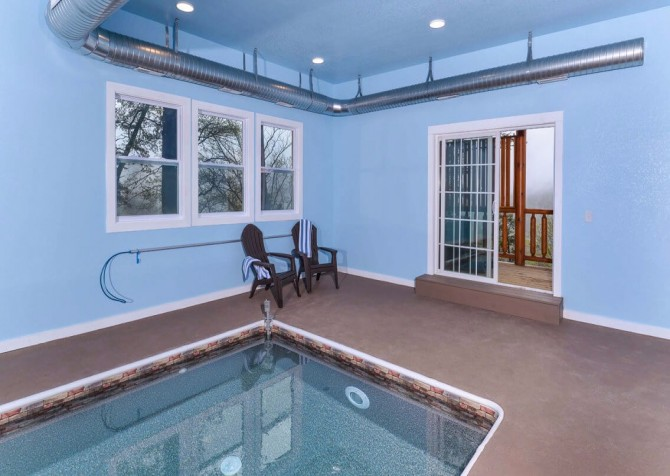 Pigeon Forge Cabin - Beaver's Mountaintop Retreat - Pool