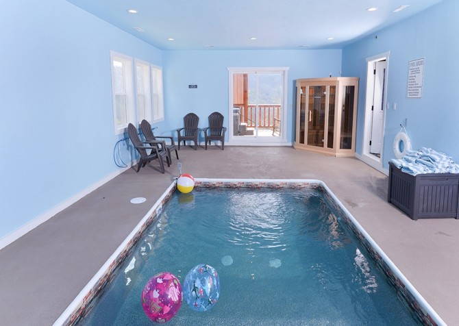 Pigeon Forge Cabin - Beaver's Treehouse - Pool