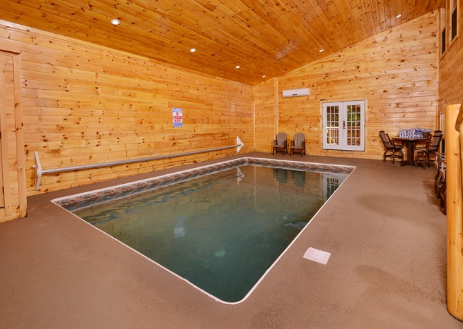 Pigeon Forge - Buckskin Lodge - Indoor Pool