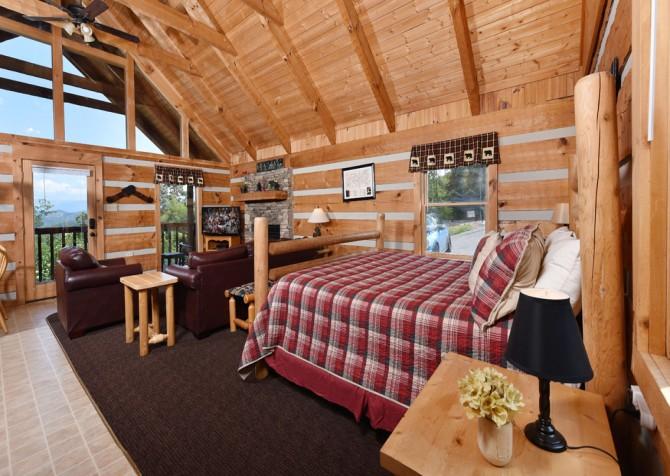 Pigeon Forge Cabin- A Mountain Hibernation – Bedroom