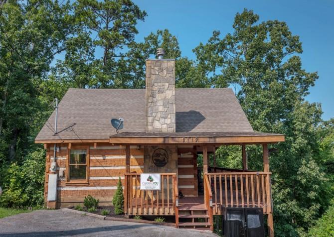 Pigeon Forge Cabin- A Mountain Hibernation – Exterior