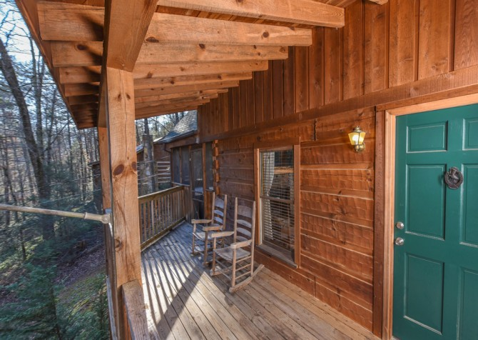 Pigeon Forge - A Mountain Surprise - Covered Deck