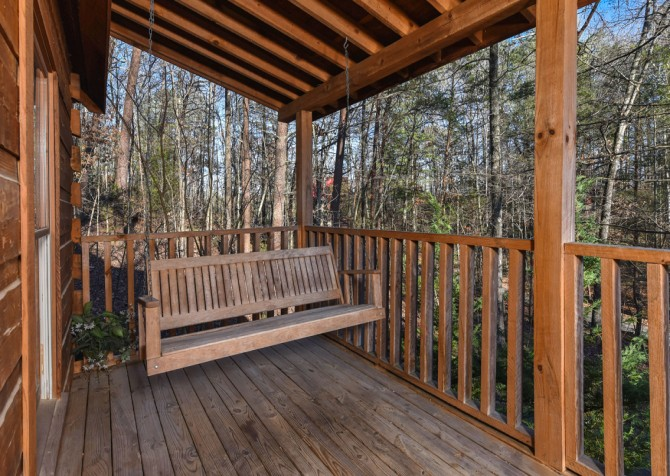 Pigeon Forge - A Mountain Surprise - Porch Swing