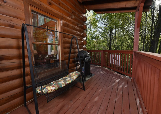 Pigeon Forge - Almost Home - Covered Deck