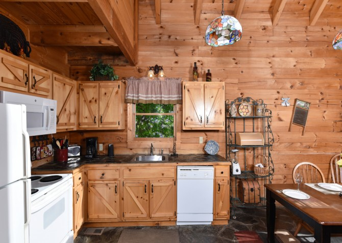 Pigeon Forge - Almost Home - Kitchen