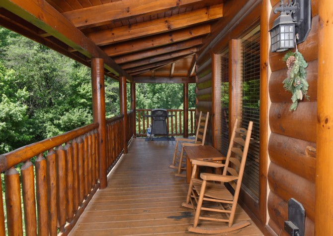 Pigeon Forge Cabin- American Bear Cabin – Exterior