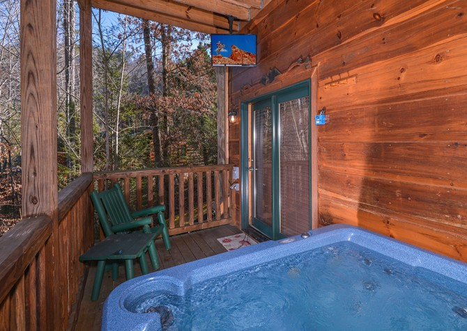 Pigeon Forge Cabin -Awesome Getaway and a Theater – Hot Tub