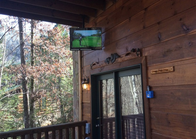Pigeon Forge Cabin -Awesome Getaway and a Theater – Outdoor TV