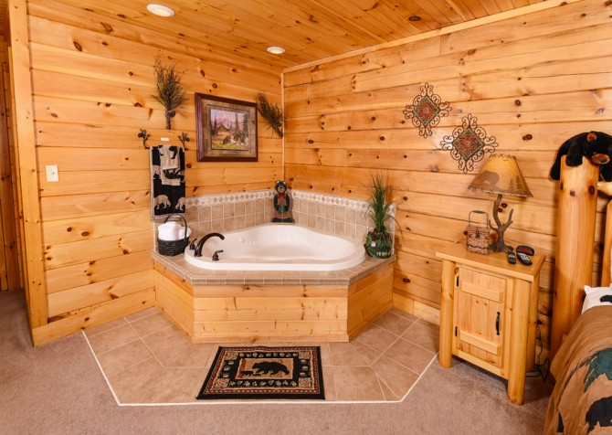 Pigeon Forge - Bear Crossing -  Bedroom One Indoor Jetted Tub
