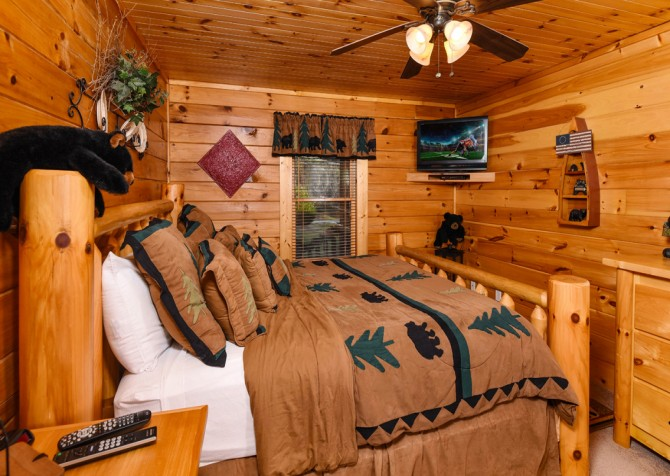 Pigeon Forge - Bear Crossing -  Bedroom One TV