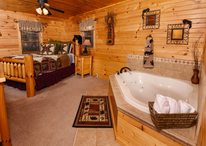 Pigeon Forge - Bear Crossing -  Bedroom Two Indoor Jetted Tub